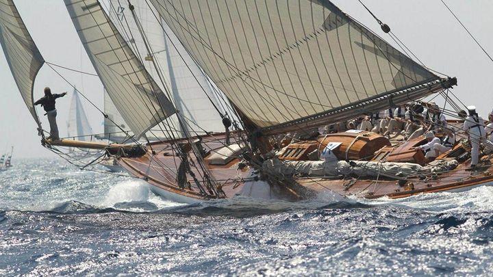 Imagen  Copa del rey de barcos de vela clásica en Menorca