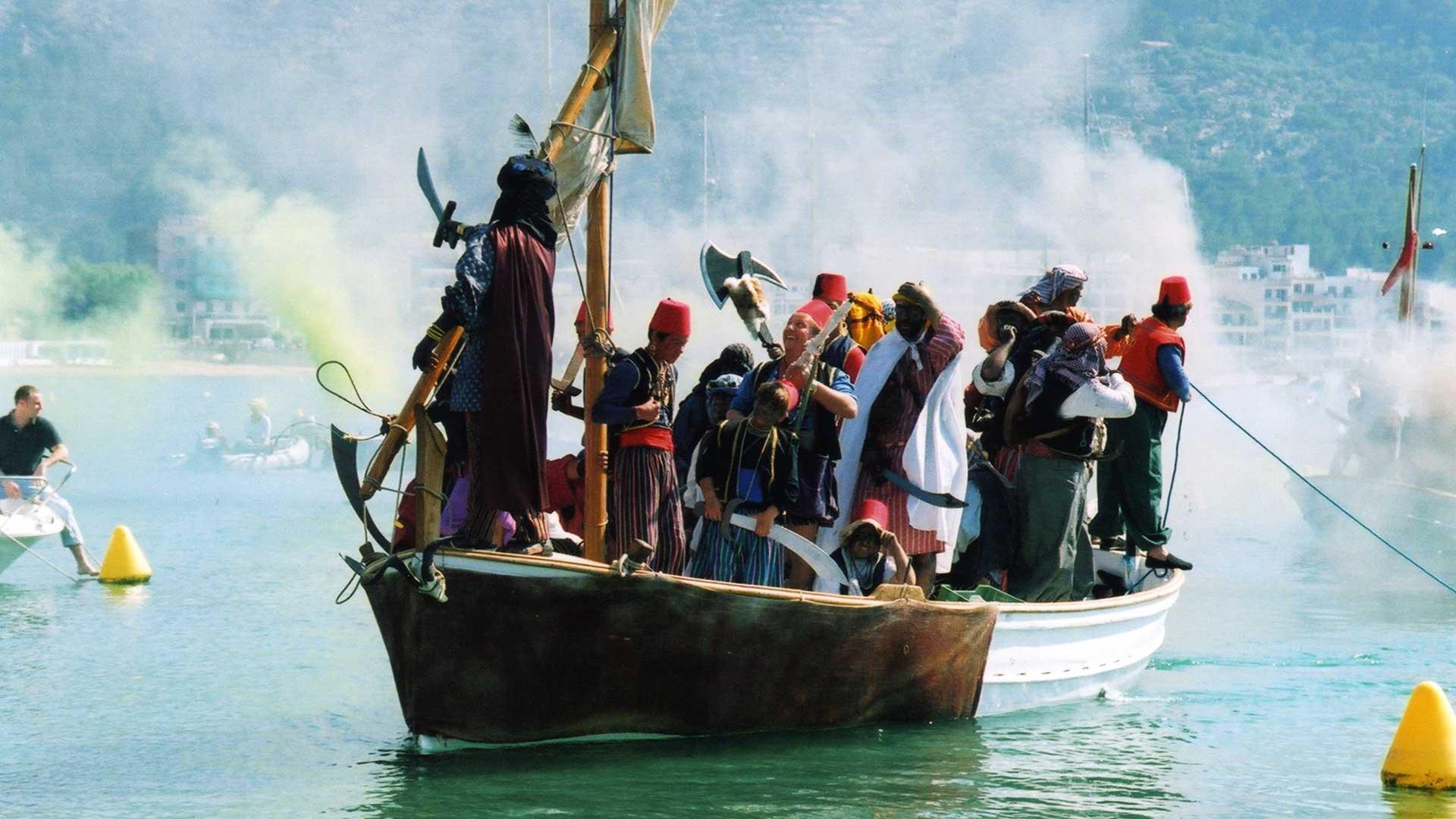Imagen  Mallorca revive las batallas de moros y cristianos más populares
