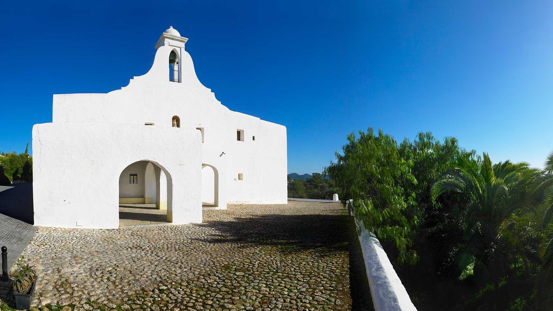 Imagen  Descubre la mística Ruta de las Iglesias blancas de Ibiza