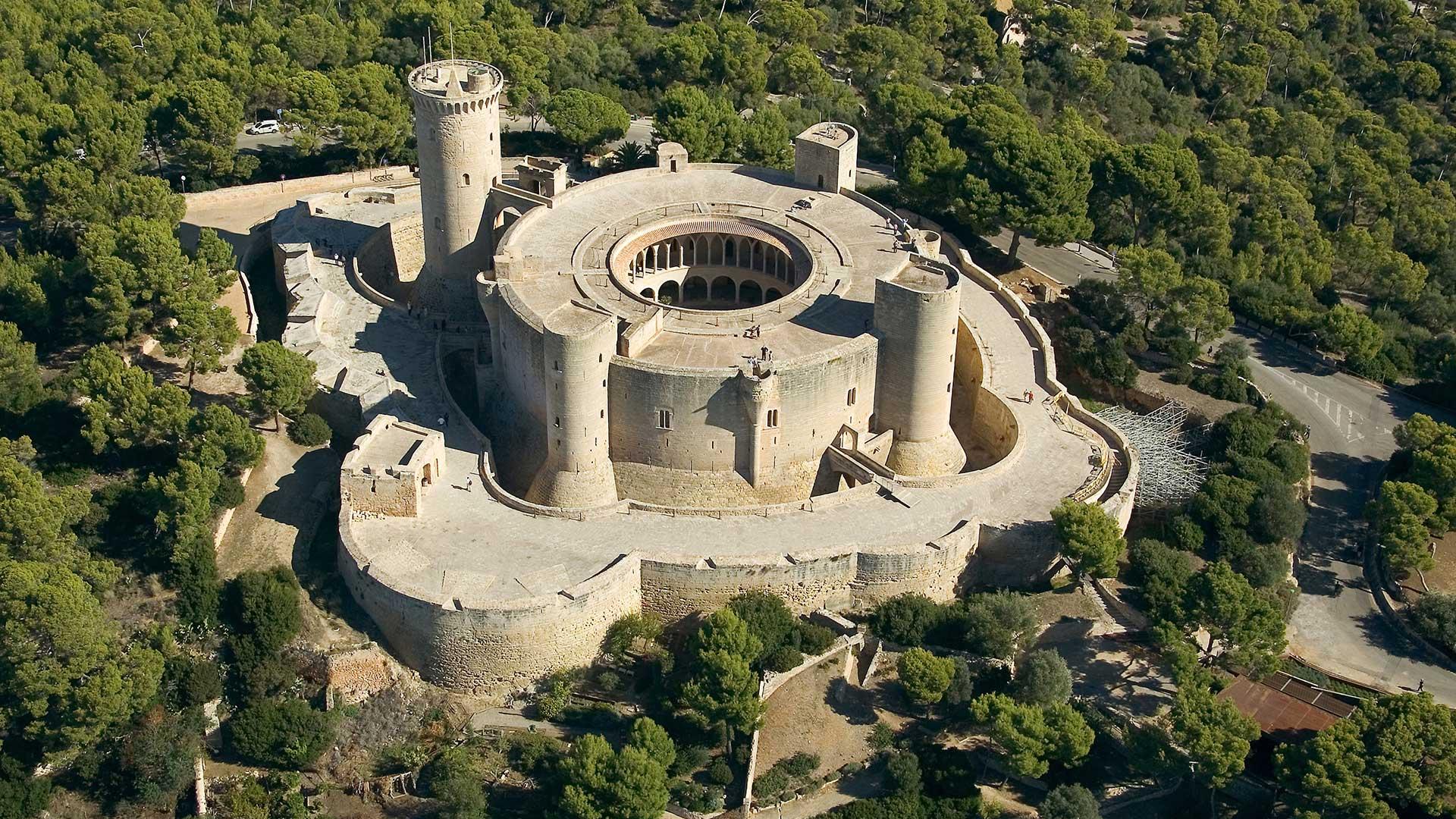 Vista aérea al Castillo de Bellver en Mallorca