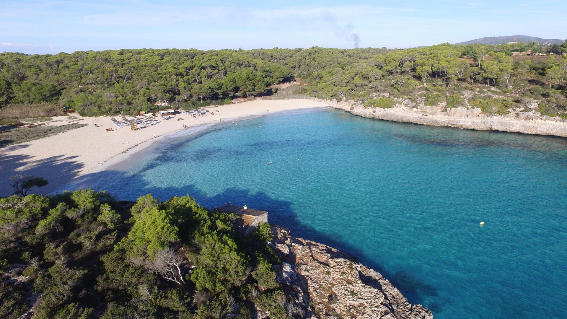 Vista aérea a la playa S'Amarador, Cala Mondragó.