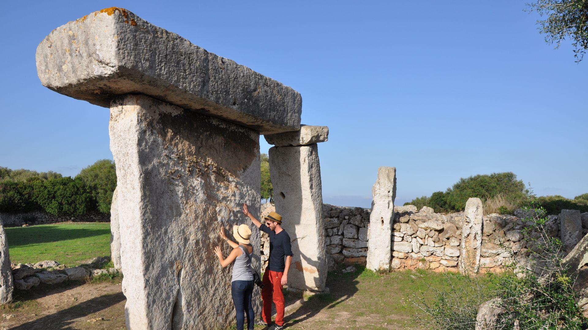 Yacimiento arqueológico Talaiot Talatí de Dalt en Menorca